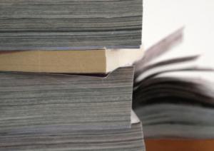デジタル媒体全盛でも、同人誌市場は紙媒体で広がっている!